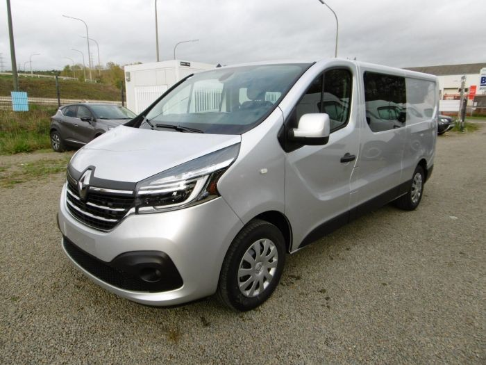 photo RENAULT TRAFIC DOUBLE CABINE GRAND CONFORT L2H1 3,0T 2,0 DCI ENERGY 170 CV EDC